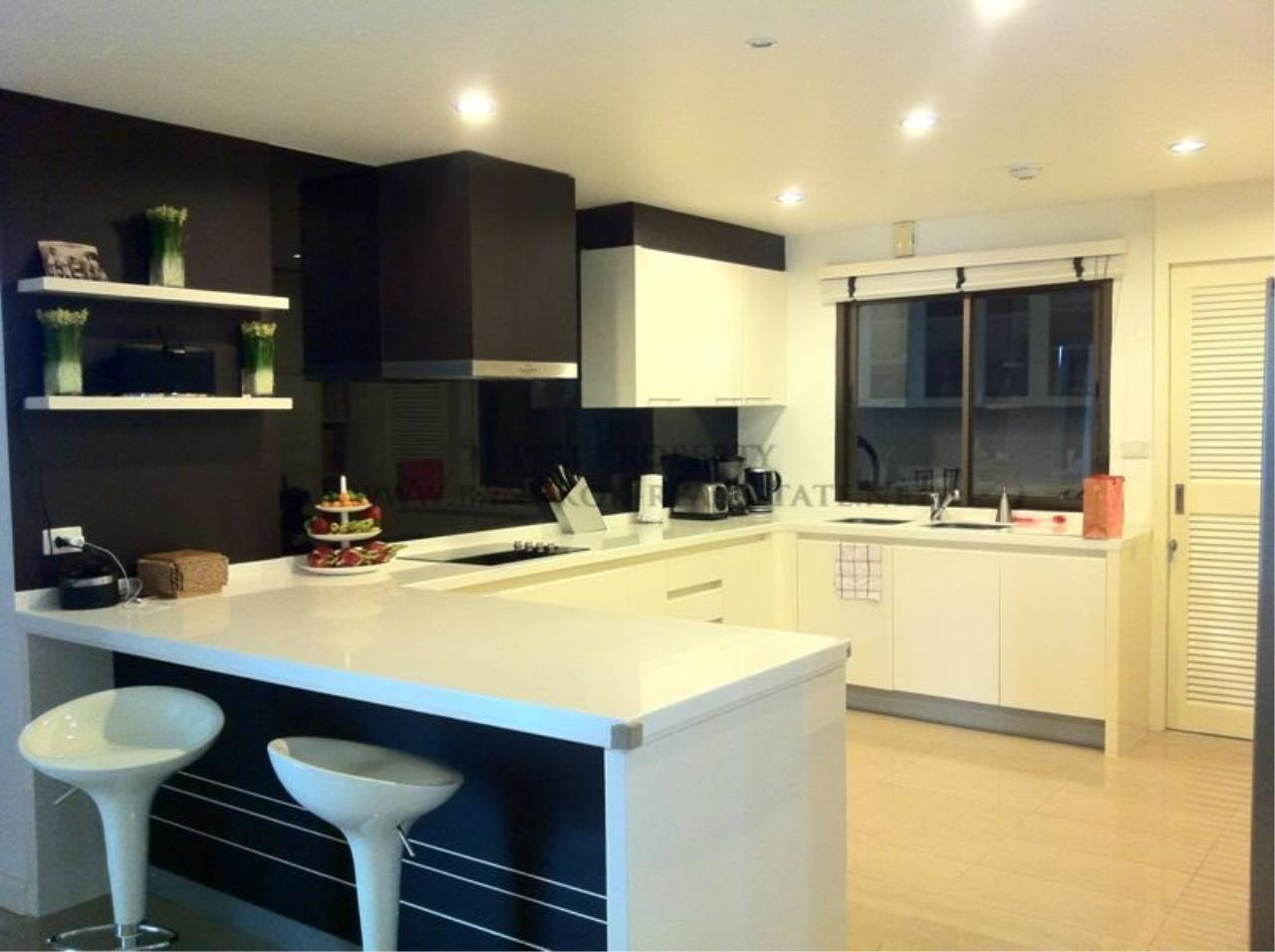 Piri Property Agency's Baan Ananda - Luxurious and Spacious 3 plus 1 BR Condo for Sale 3