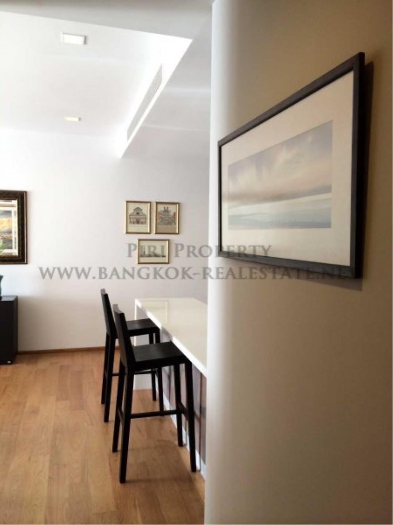 Piri Property Agency's Exclusively Decorated Condo in the Hyde Sukhumvit Building - Just a minute to Nana BTS 6