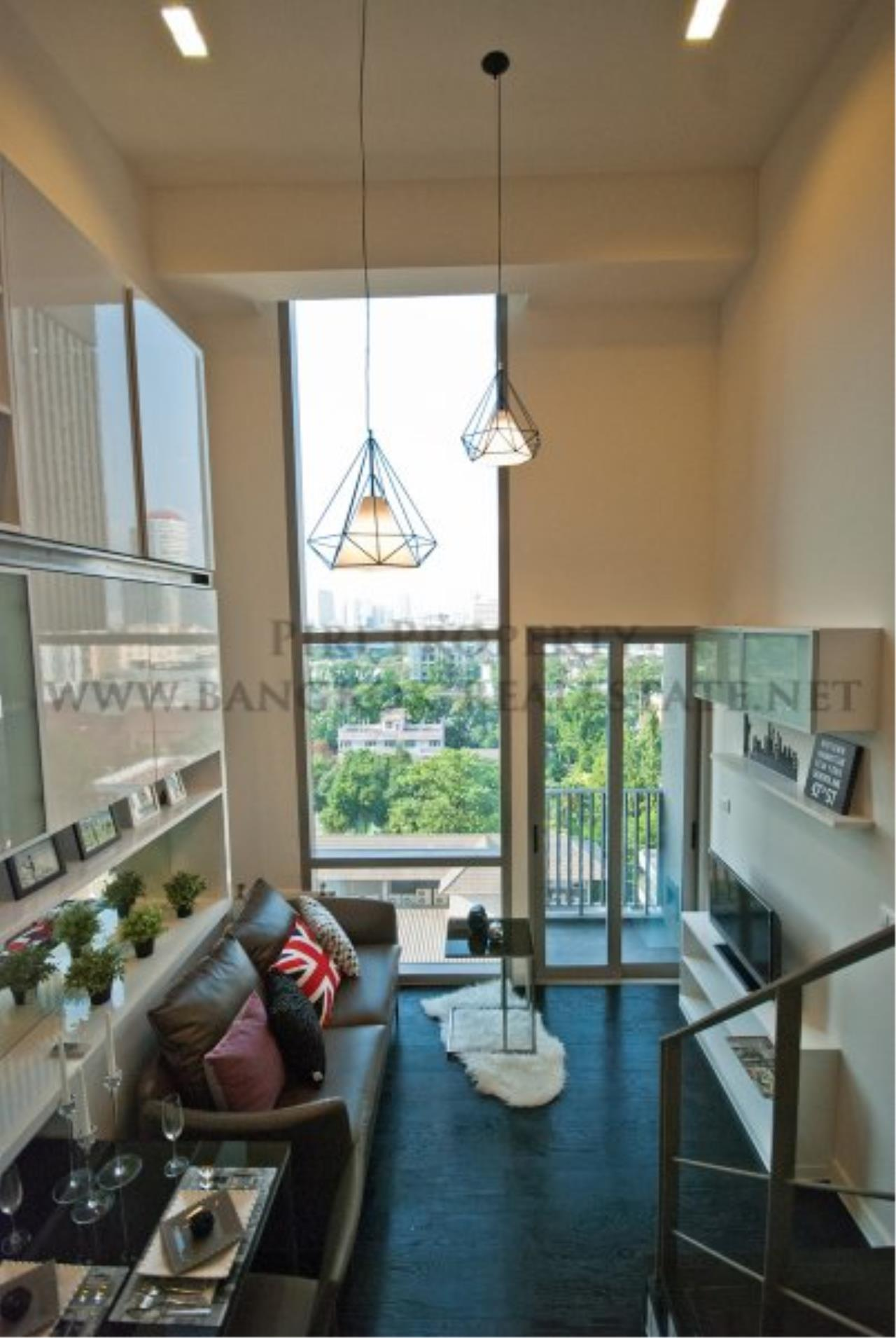 Piri Property Agency's IDEO Morph 38 for Sale - Amazing Bachelor Duplex Condo in Thonglor 6