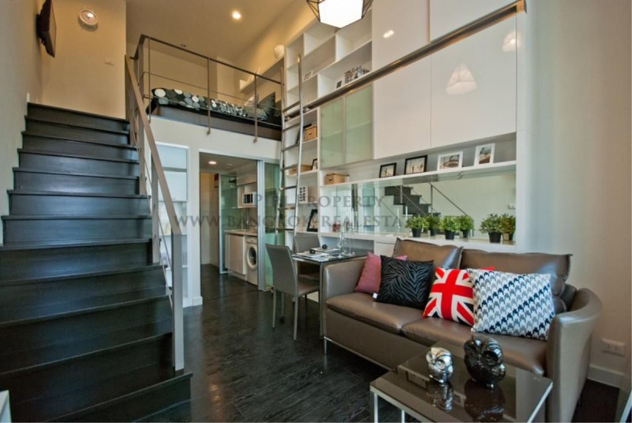 Piri Property Agency's IDEO Morph 38 for Sale - Amazing Bachelor Duplex Condo in Thonglor 1