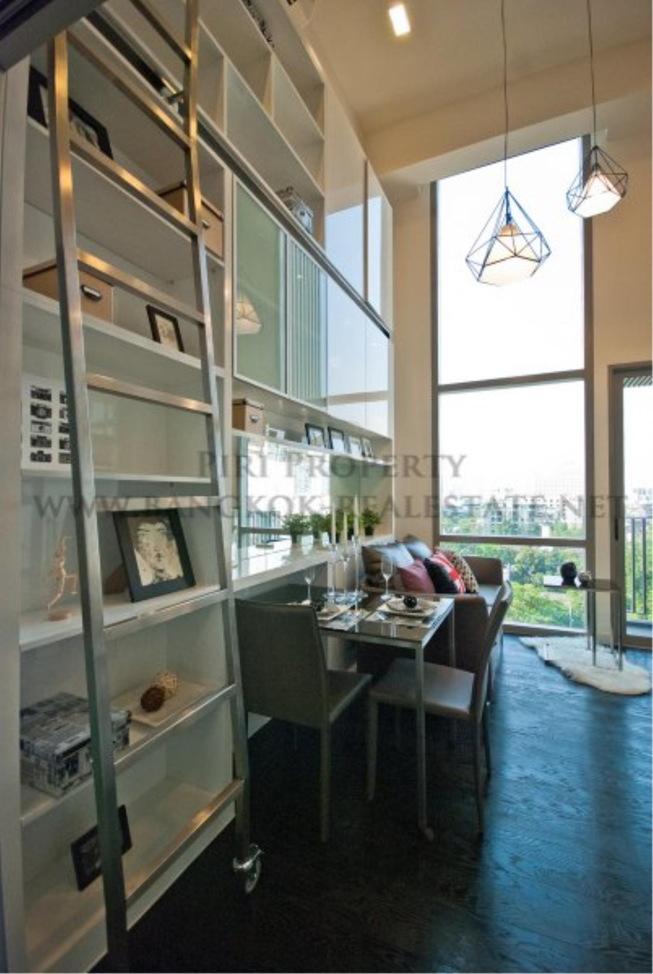 Piri Property Agency's IDEO Morph 38 for Sale - Amazing Bachelor Duplex Condo in Thonglor 7
