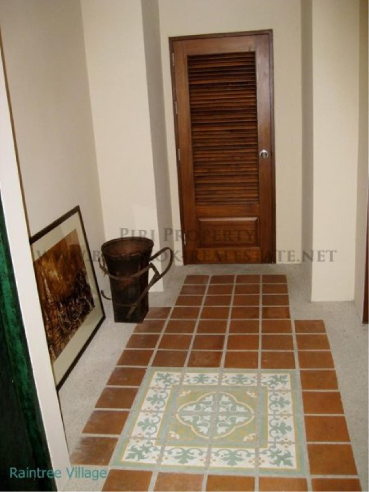 Piri Property Agency's Spacious Family Apartment in Phrom Phong for Rent - 3 Bed 19