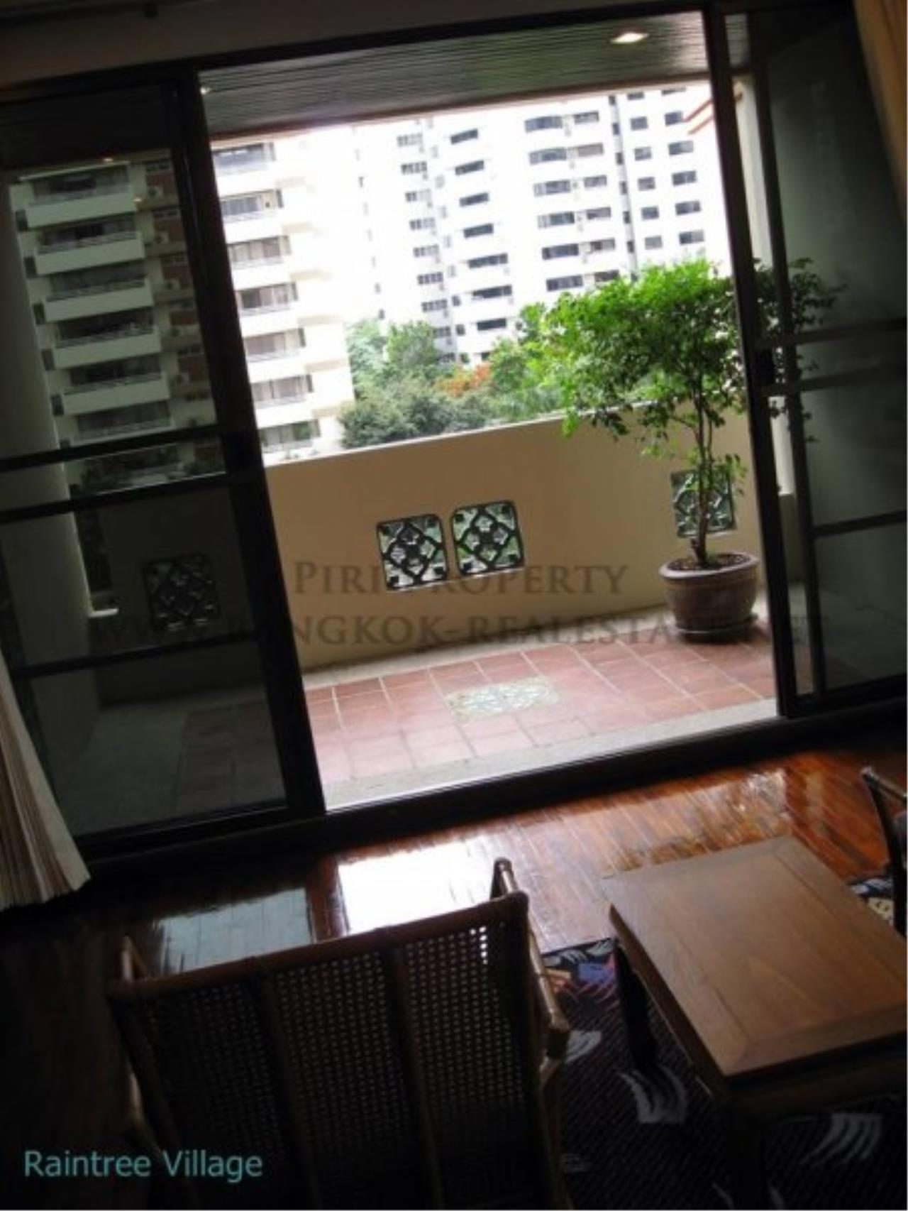 Piri Property Agency's Spacious Family Apartment in Phrom Phong for Rent - 3 Bed 8