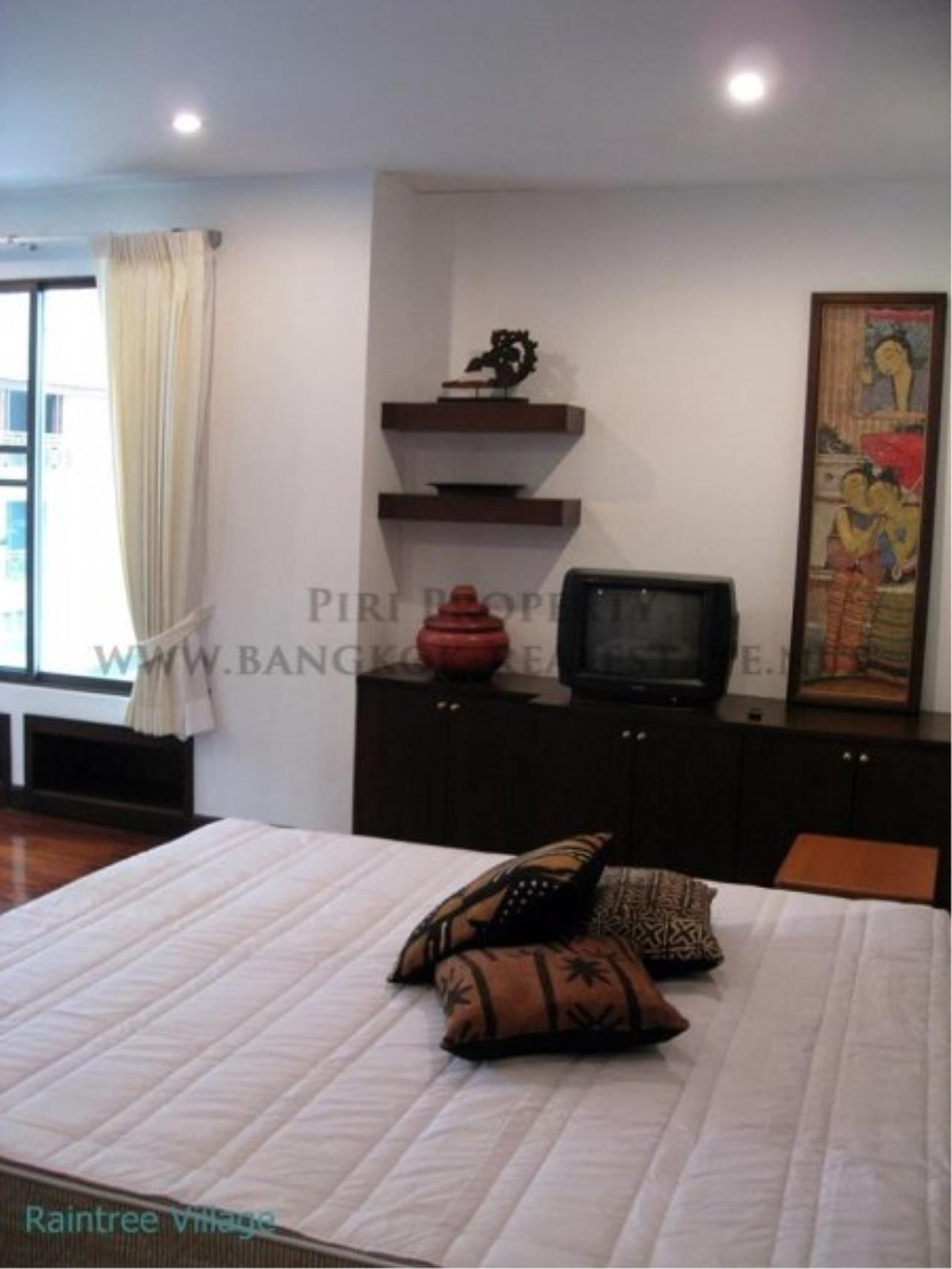 Piri Property Agency's Spacious Family Apartment in Phrom Phong for Rent - 3 Bed 6