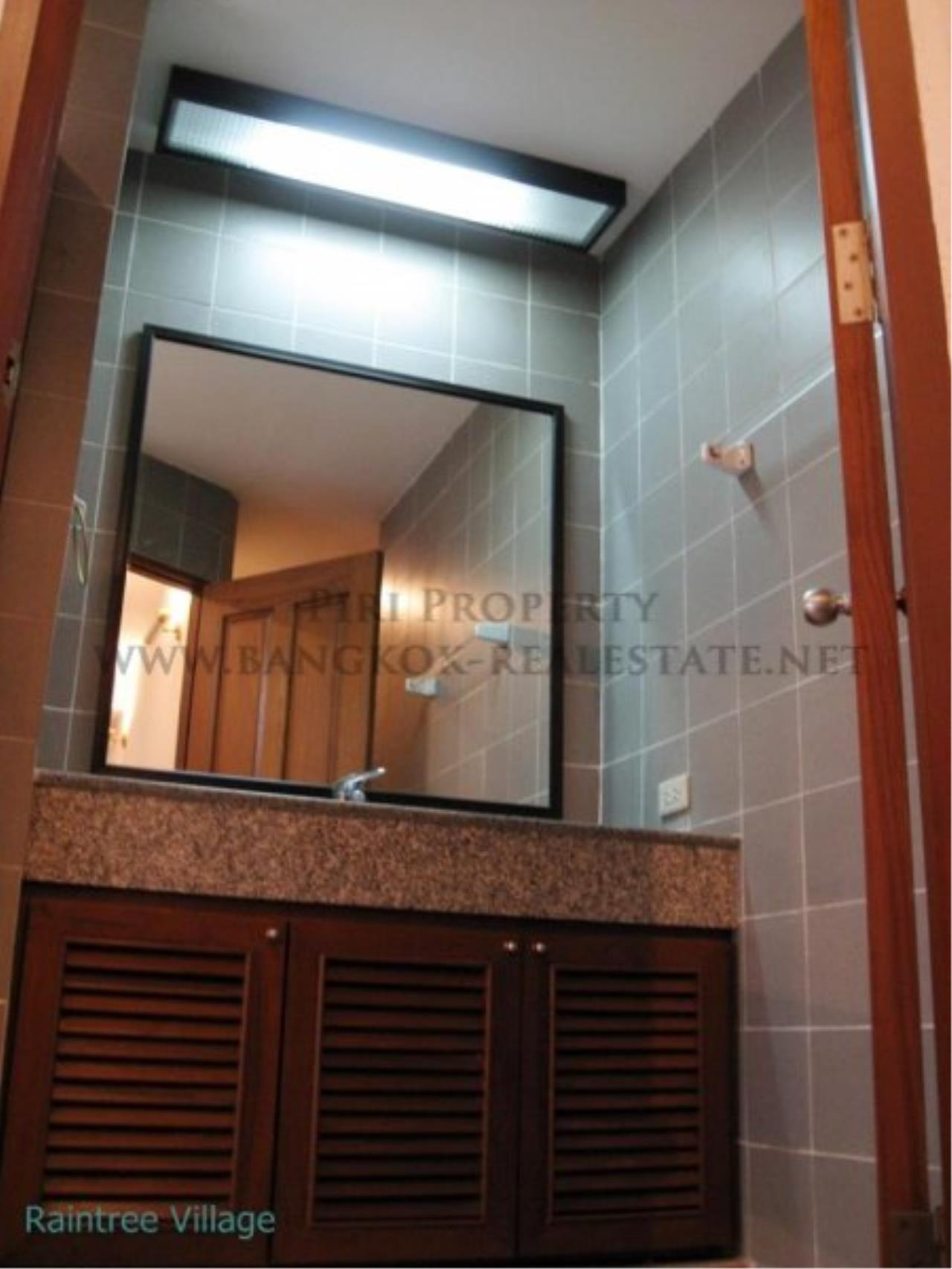 Piri Property Agency's Spacious Family Apartment in Phrom Phong for Rent - 3 Bed 12