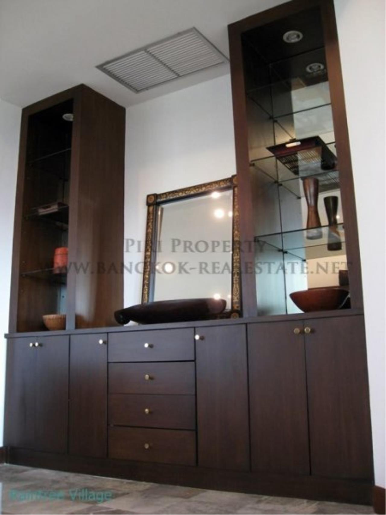 Piri Property Agency's Spacious Family Apartment in Phrom Phong for Rent - 3 Bed 16