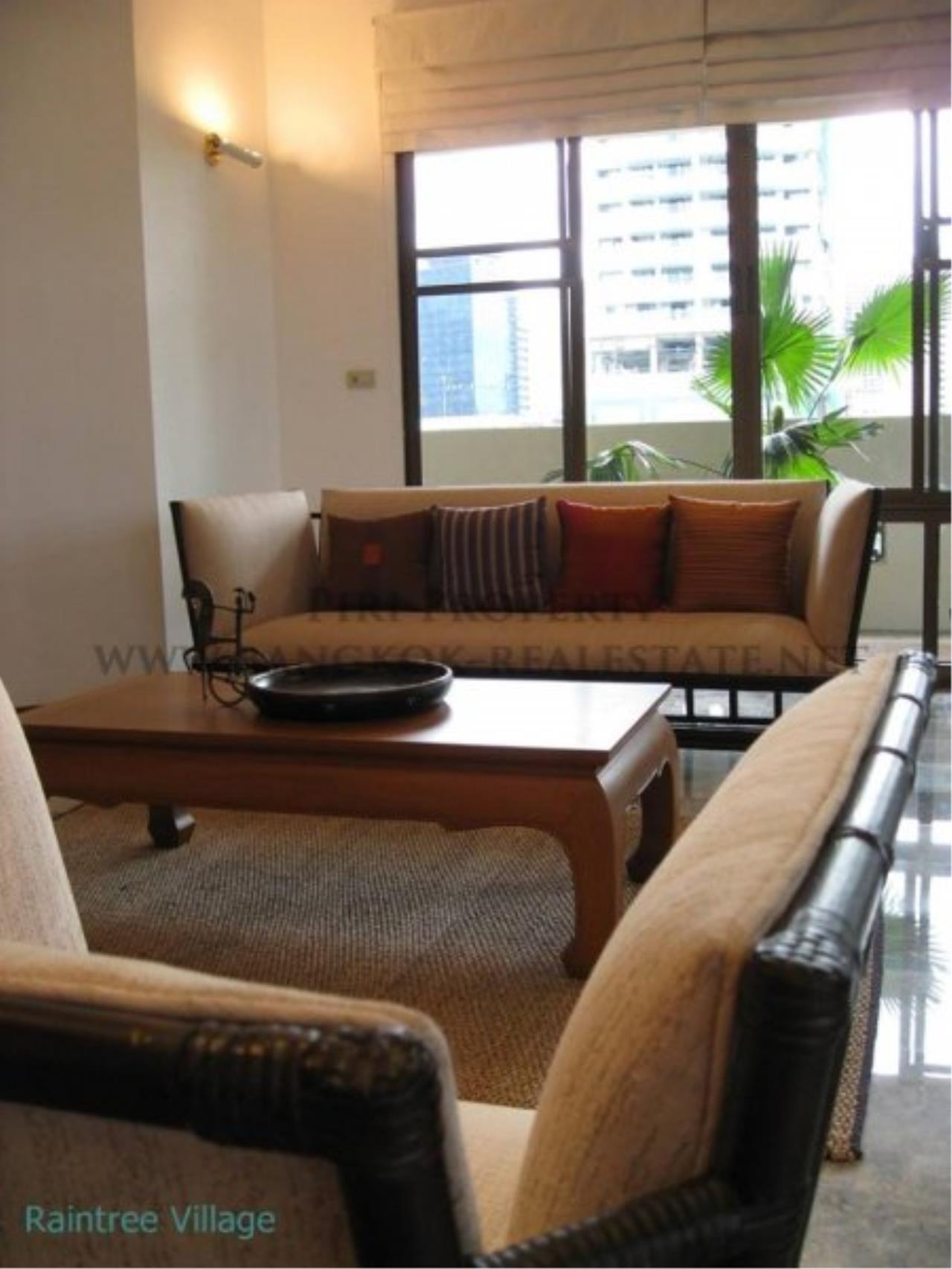 Piri Property Agency's Spacious Family Apartment in Phrom Phong for Rent - 3 Bed 17