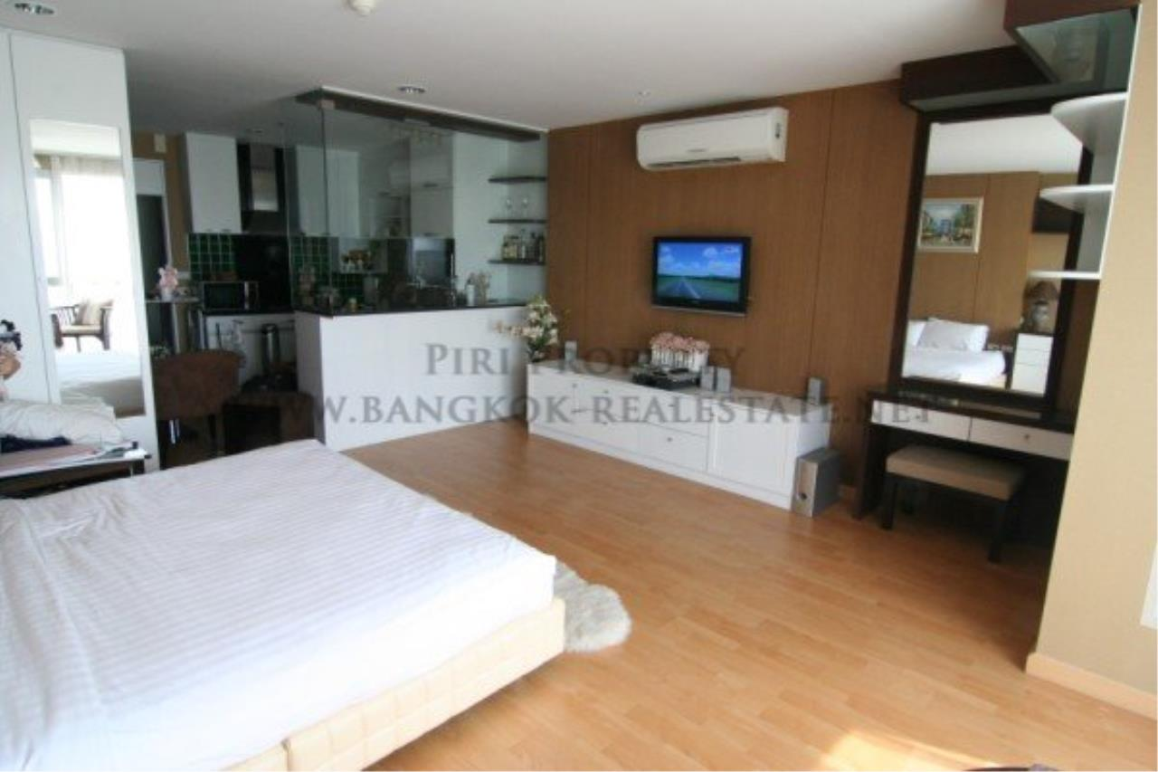 Piri Property Agency's Modern and Spacious Studio in Sathorn 4