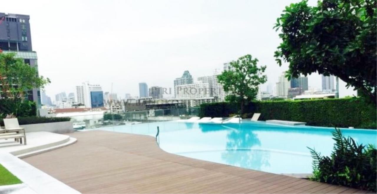 Piri Property Agency's Professionally designed 2bedroom condo in Ekkamai for Rent. 16