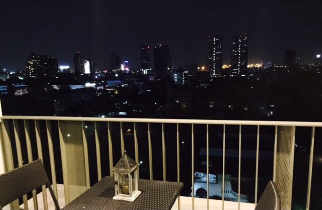 Piri Property Agency's Professionally designed 2bedroom condo in Ekkamai for Rent. 14