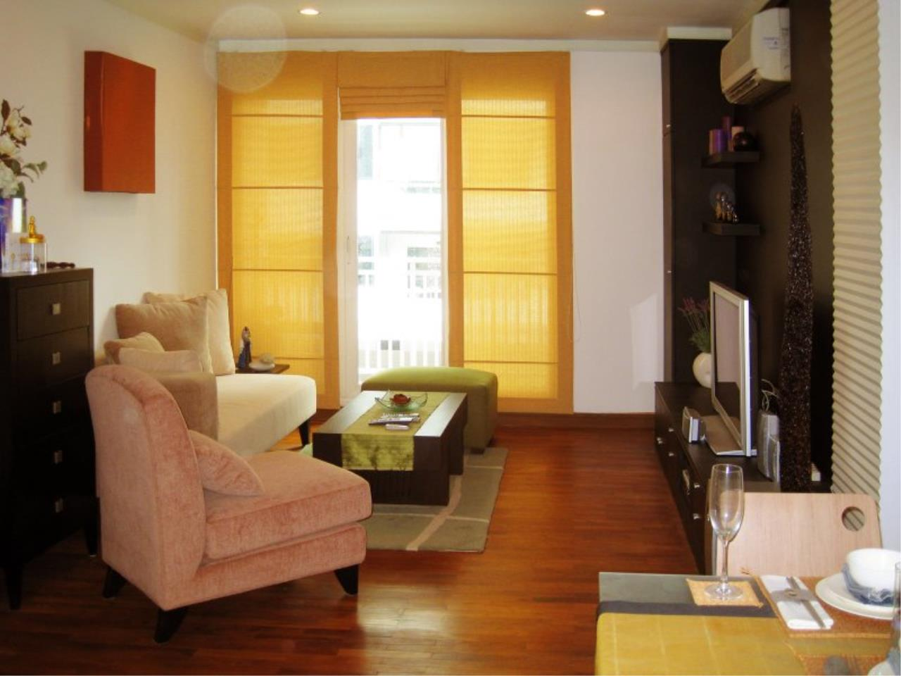 Piri Property Agency's Bright 2 Bedrooms in the Baan Siri Condo for rent  1