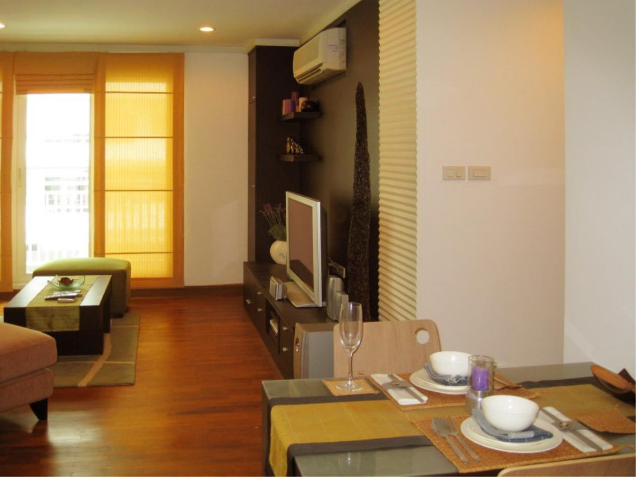 Piri Property Agency's Bright 2 Bedrooms in the Baan Siri Condo for rent  3