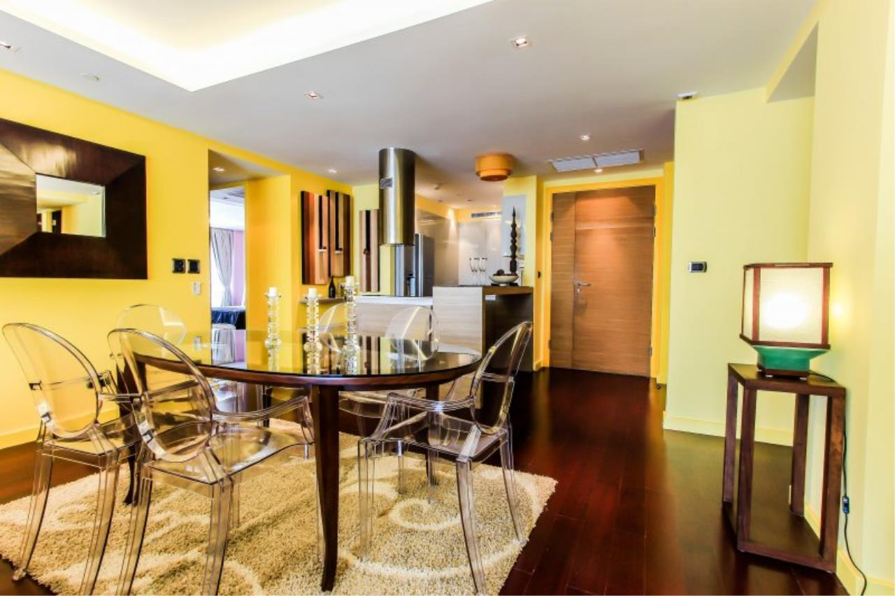 Piri Property Agency's Chic 3 Bedrooms Condo in the Le Monaco building for rent on high floor 2