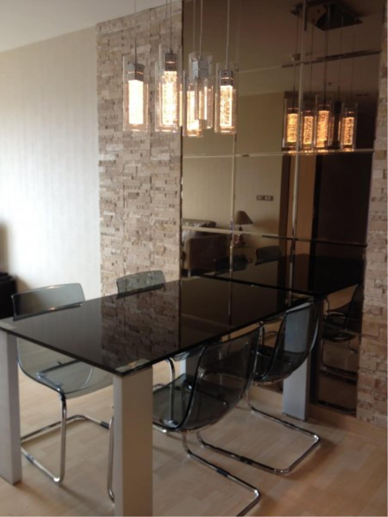 Piri Property Agency's Modern 2 Bedrooms in the 59 Heritage Bulding for rent on high floor 1