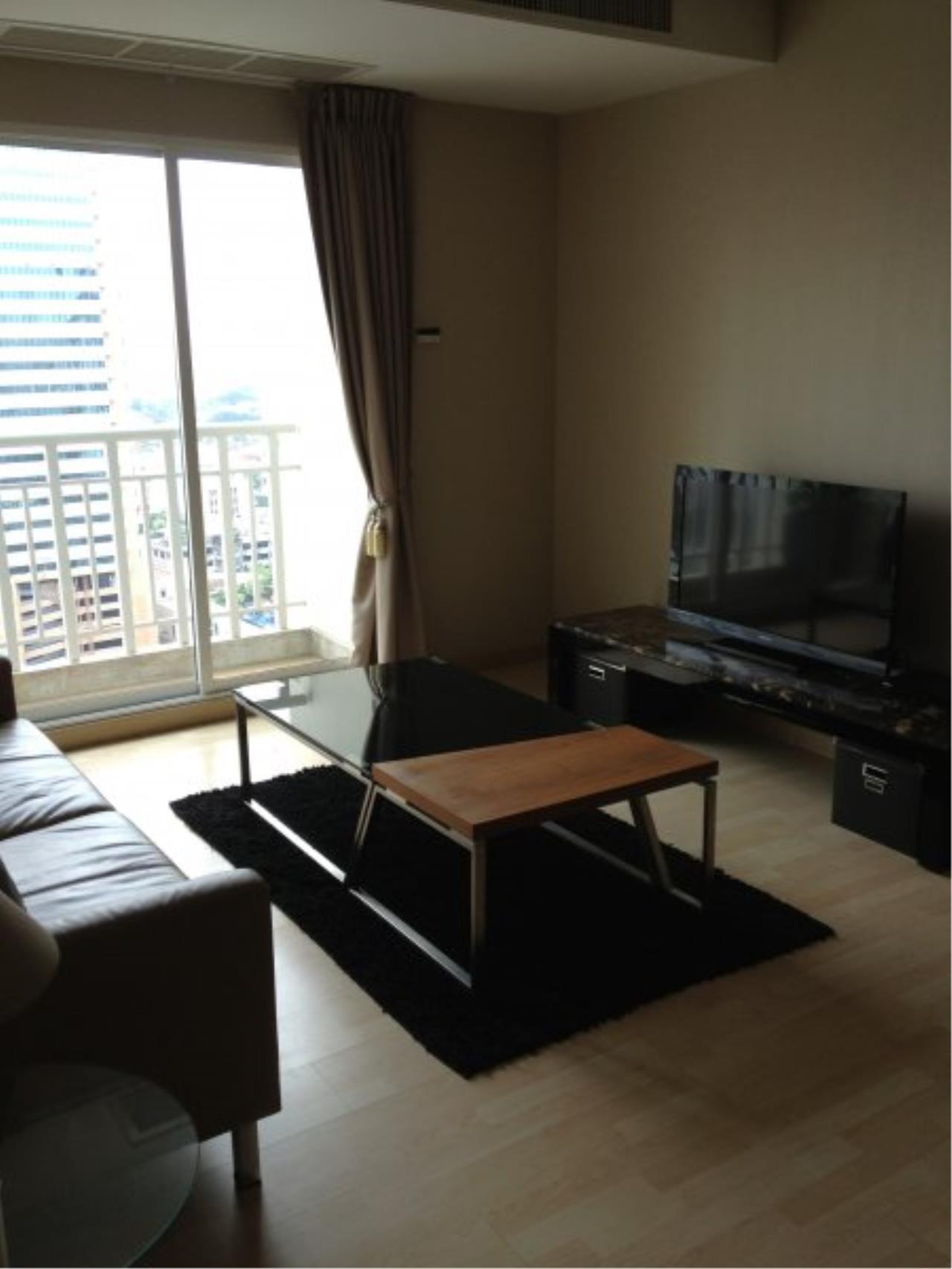 Piri Property Agency's Modern 2 Bedrooms in the 59 Heritage Bulding for rent on high floor 2