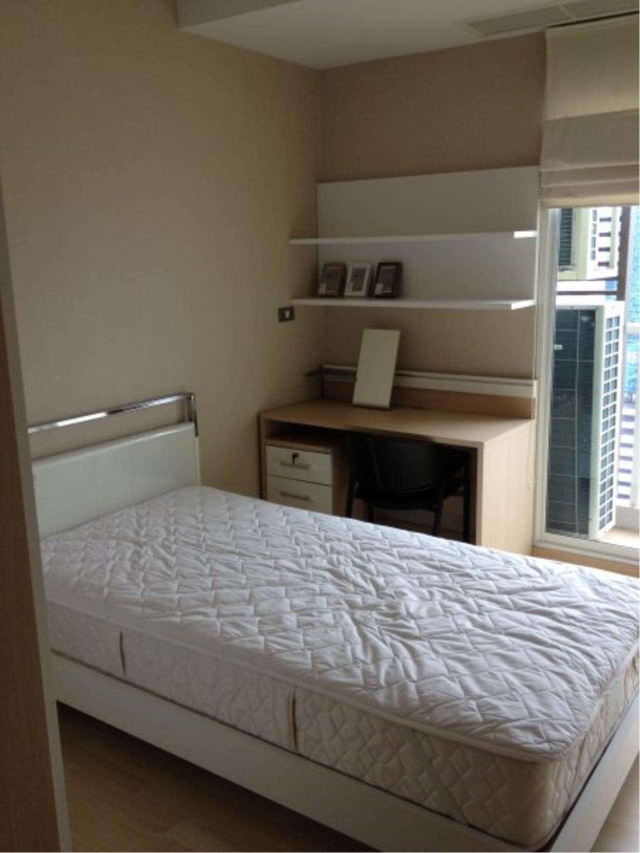 Piri Property Agency's Modern 2 Bedrooms in the 59 Heritage Bulding for rent on high floor 4