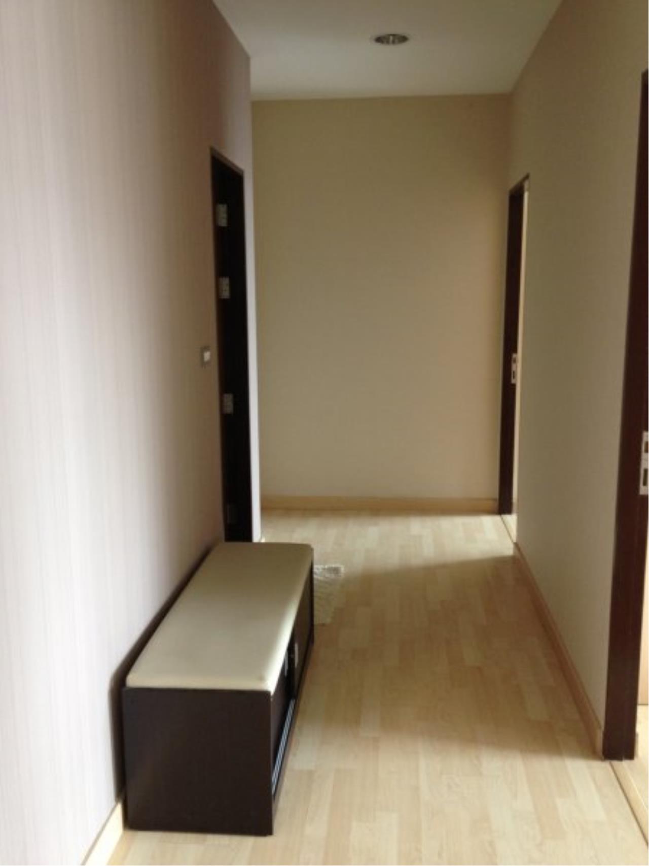 Piri Property Agency's Modern 2 Bedrooms in the 59 Heritage Bulding for rent on high floor 5