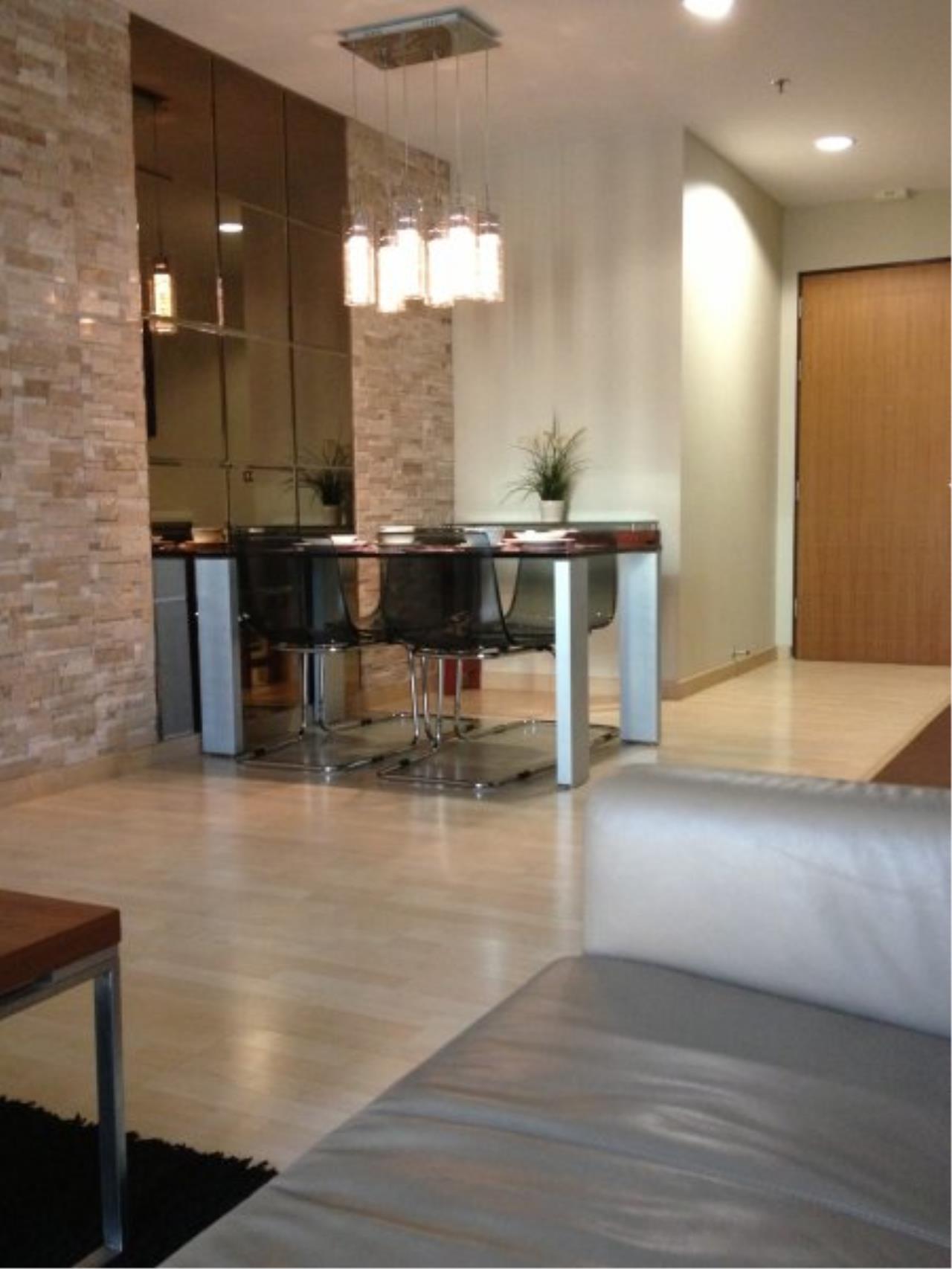 Piri Property Agency's Modern 2 Bedrooms in the 59 Heritage Bulding for rent on high floor 6