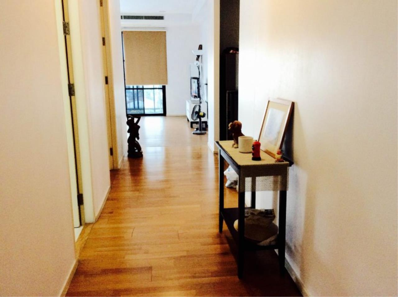 Piri Property Agency's Bright 2 Bedrooms in the Amanta Ratchada Condo for rent on high floor 6