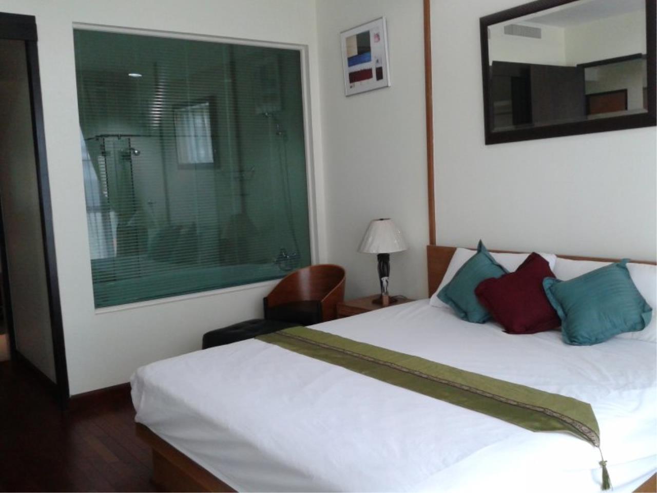 Piri Property Agency's Comfort 2 Bedrooms in The Address Chidlom Condo for rent 1