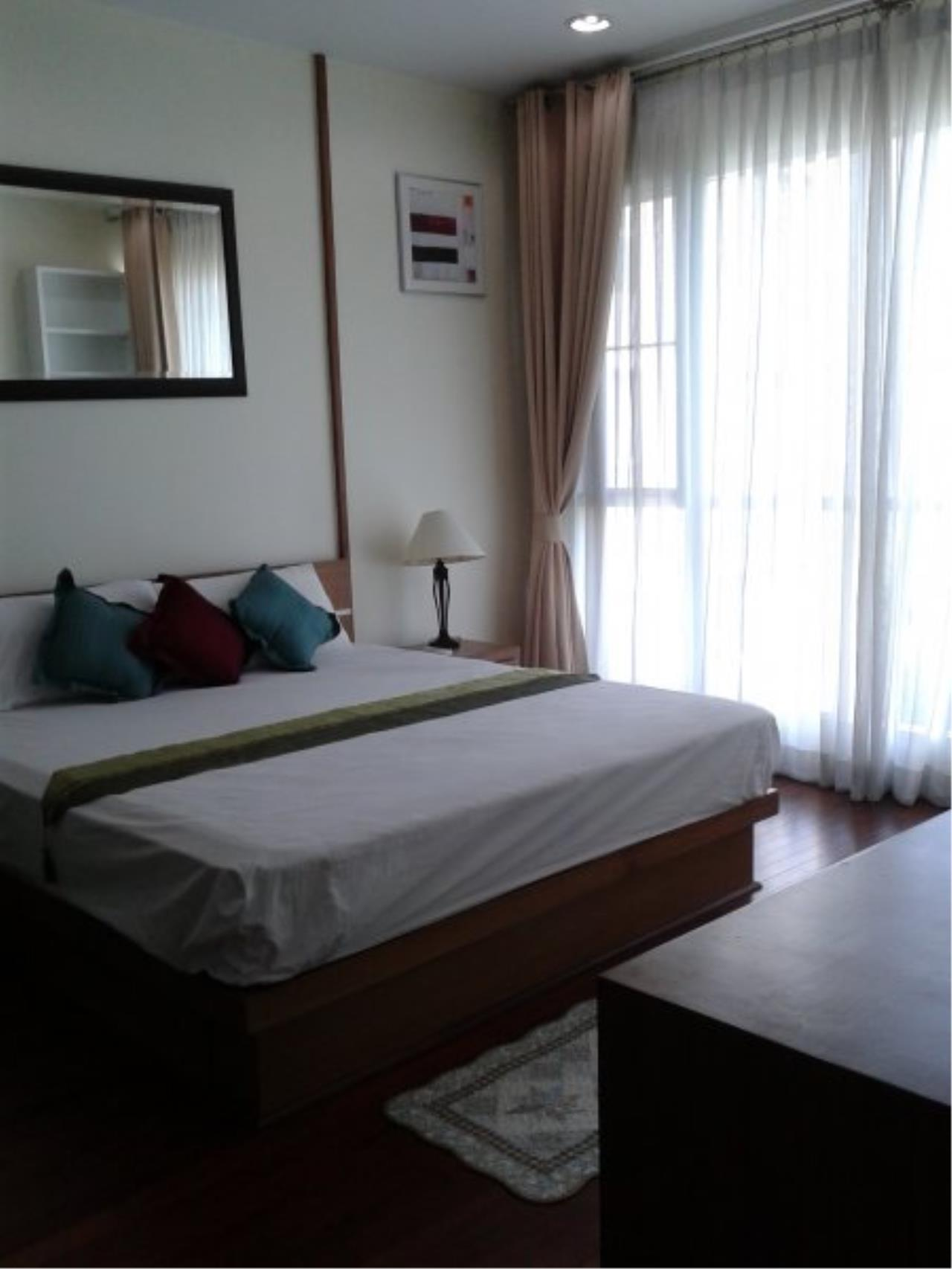 Piri Property Agency's Comfort 2 Bedrooms in The Address Chidlom Condo for rent 2
