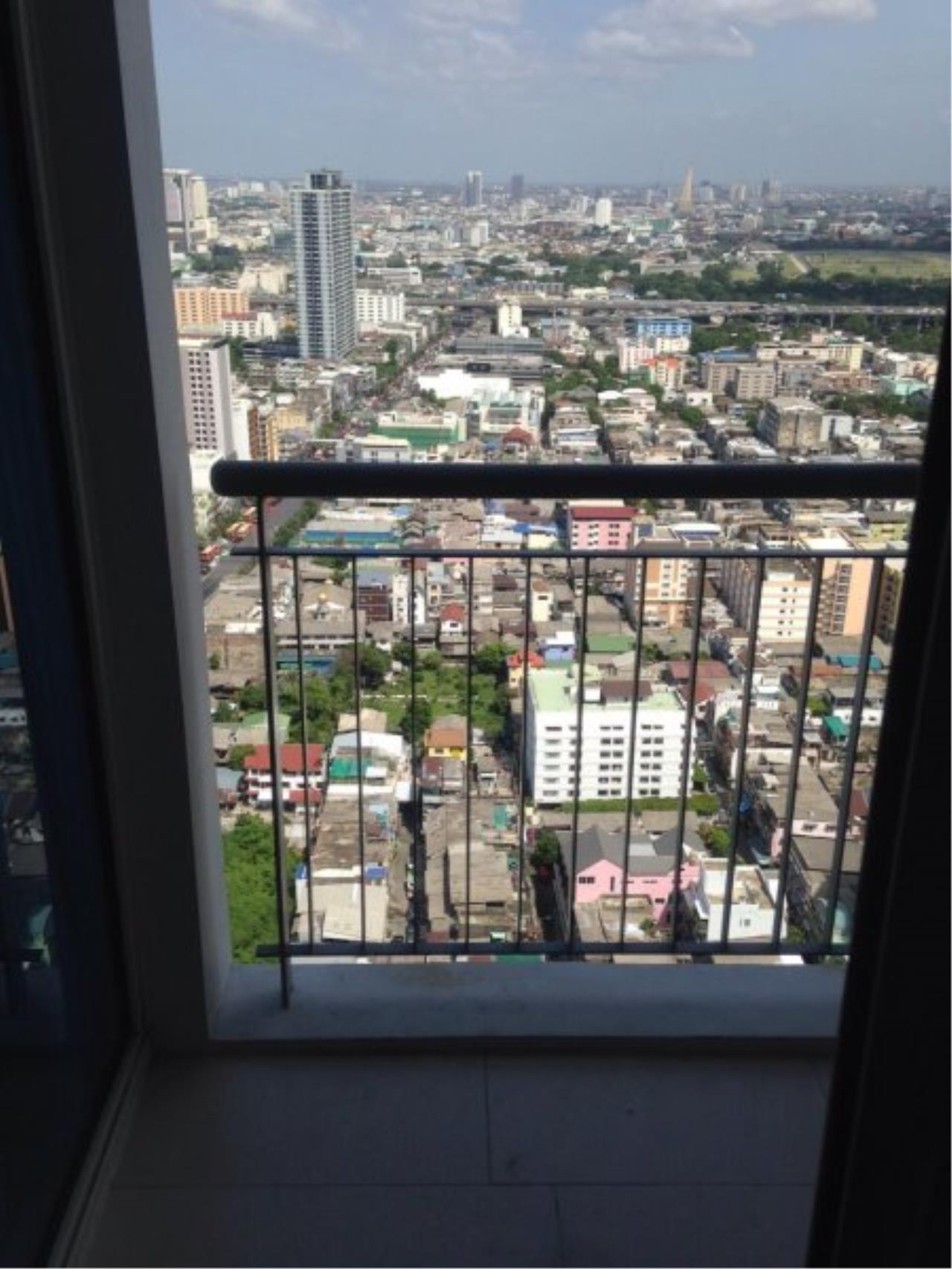 Piri Property Agency's Duplex 1 Bedroom in the Villa Ratchatewi Condo for rent on high floor 9
