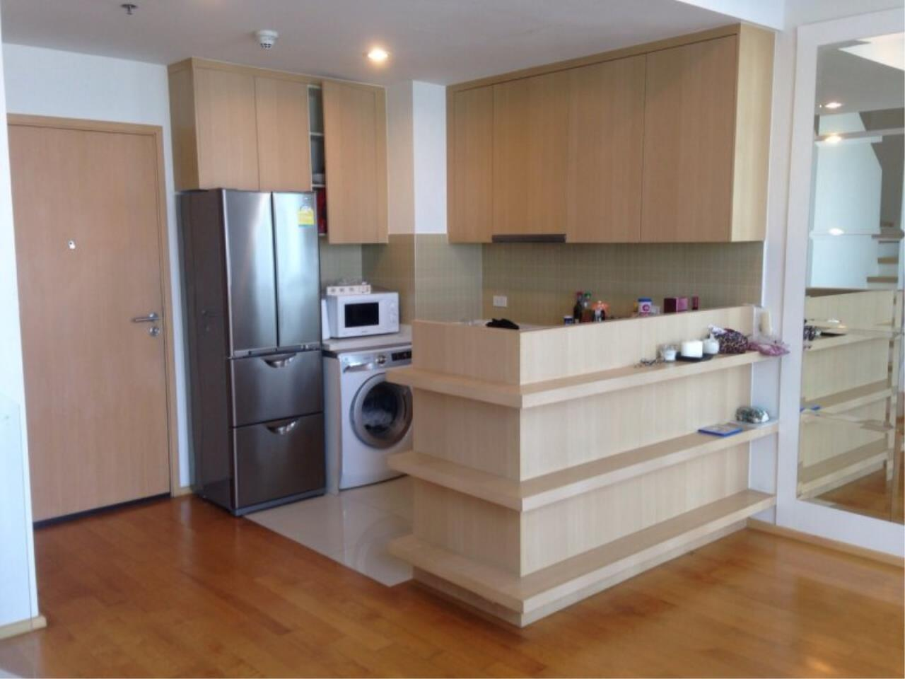 Piri Property Agency's Duplex 1 Bedroom in the Villa Ratchatewi Condo for rent on high floor 10