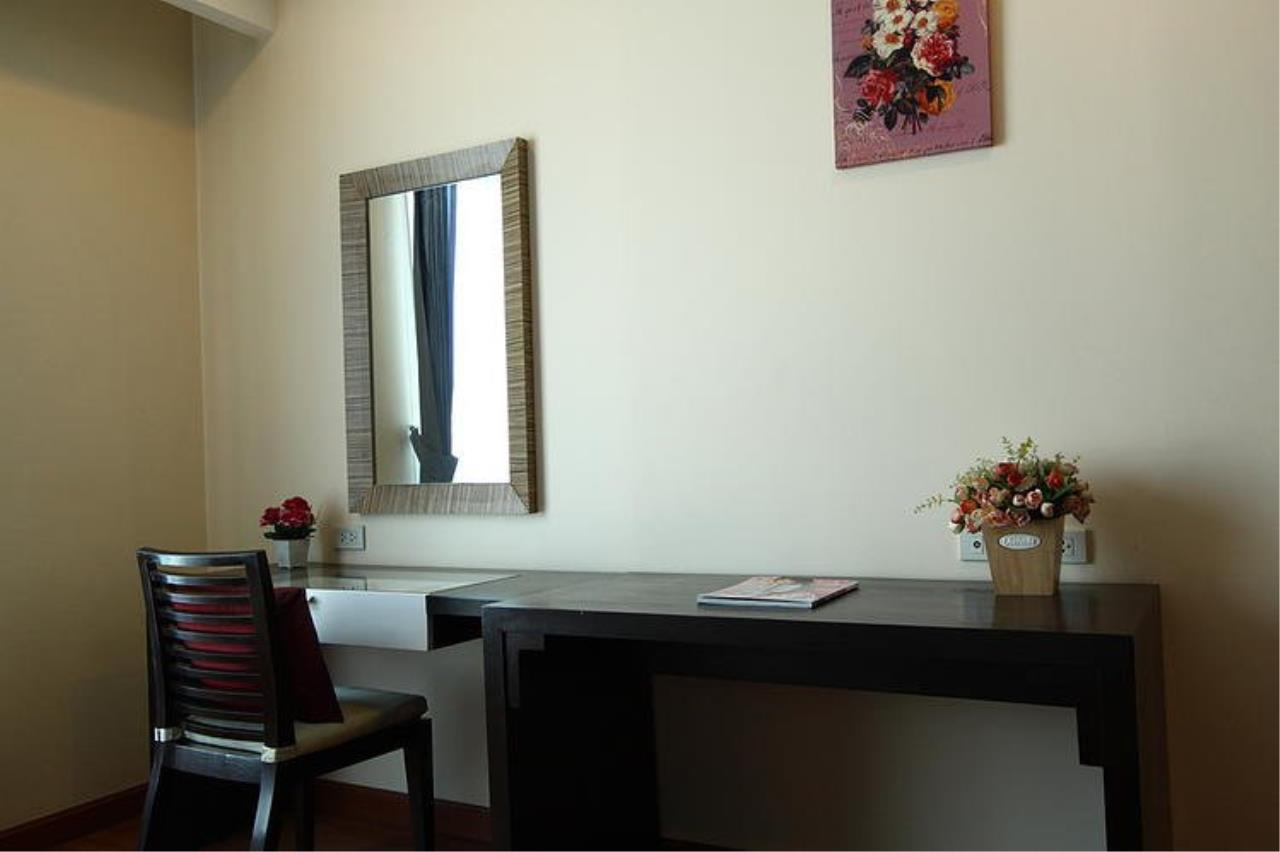 Piri Property Agency's Spacious 1 Bedroom in the Sarin Suites Building for rent 5