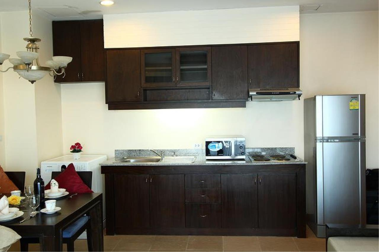 Piri Property Agency's Spacious 1 Bedroom in the Sarin Suites Building for rent 9