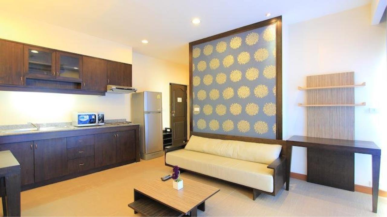 Piri Property Agency's Bright 2 Bedrooms in the Sarin Suites Building for rent 2