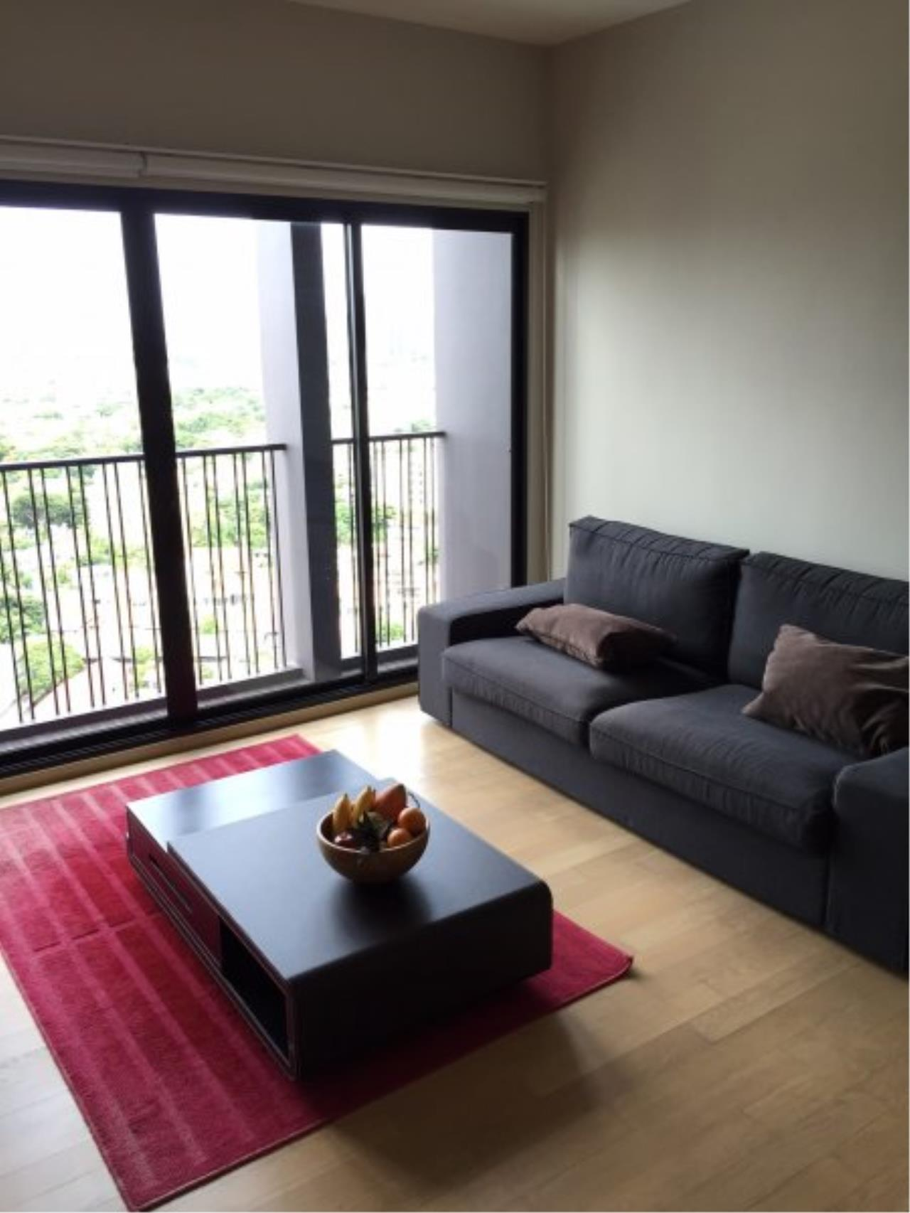 Piri Property Agency's Bright 2 Bedrooms in the Noble Reveal Condo for rent on high floor 1