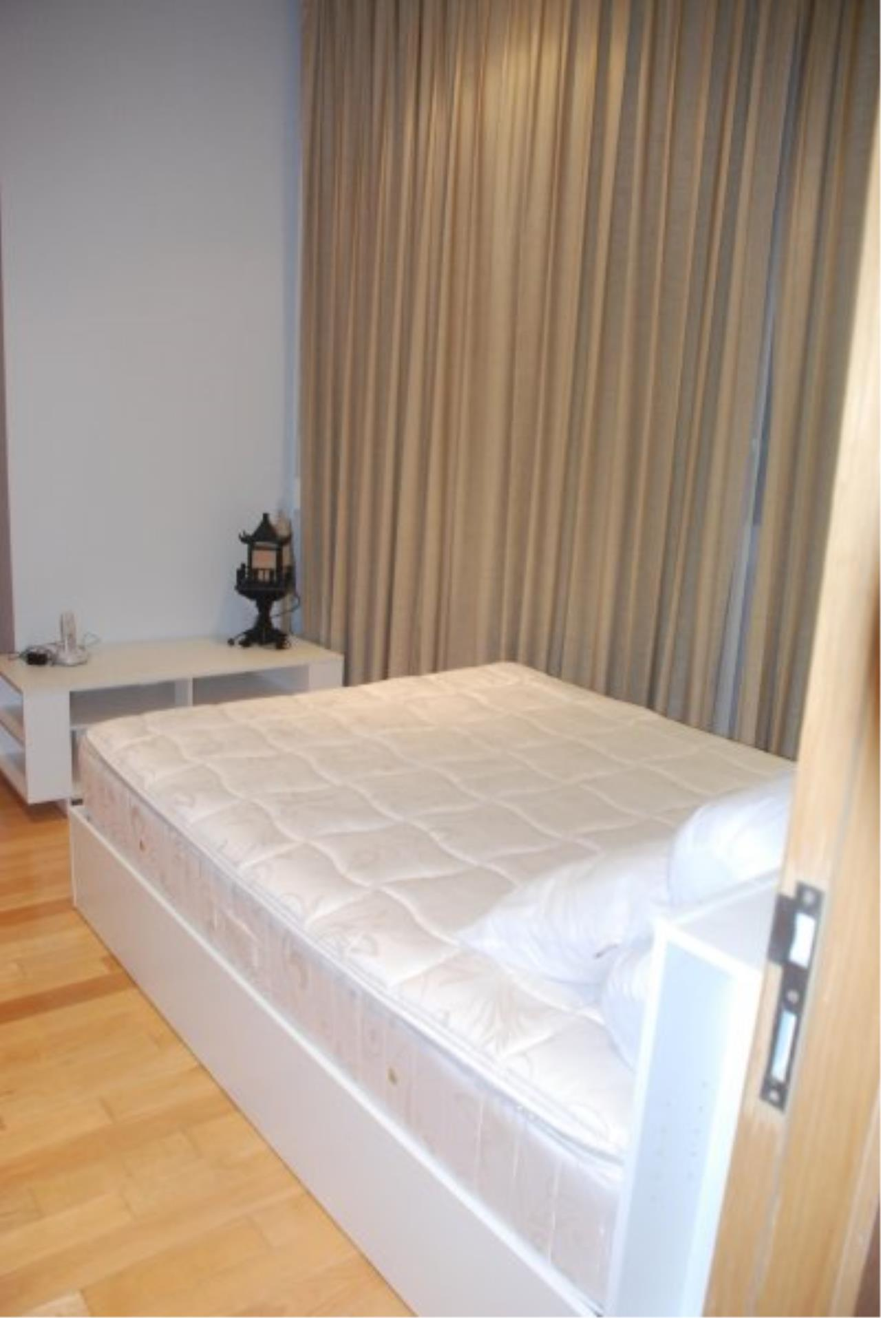 Piri Property Agency's Spacious 2 Bedrooms in the Millennium Residence for rent on high floor 8