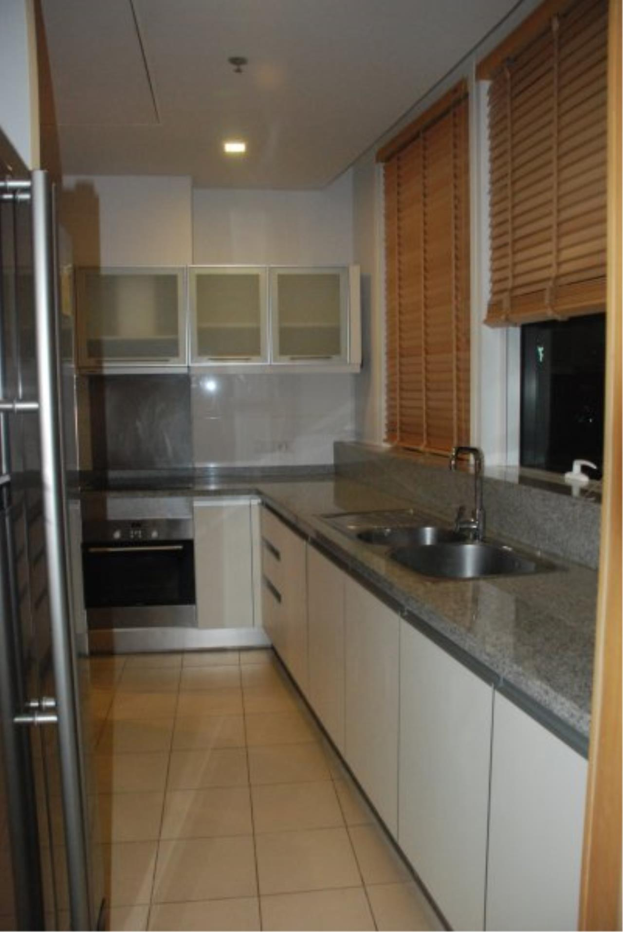 Piri Property Agency's Spacious 2 Bedrooms in the Millennium Residence for rent on high floor 10