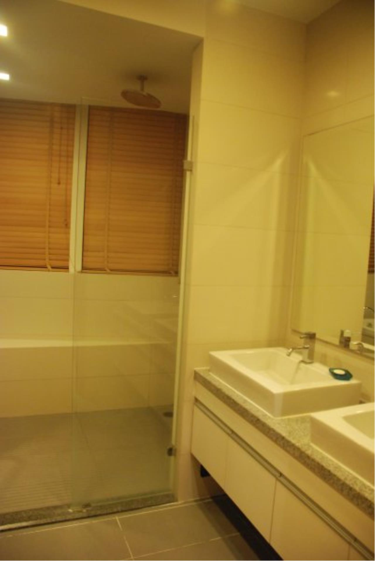 Piri Property Agency's Spacious 2 Bedrooms in the Millennium Residence for rent on high floor 13