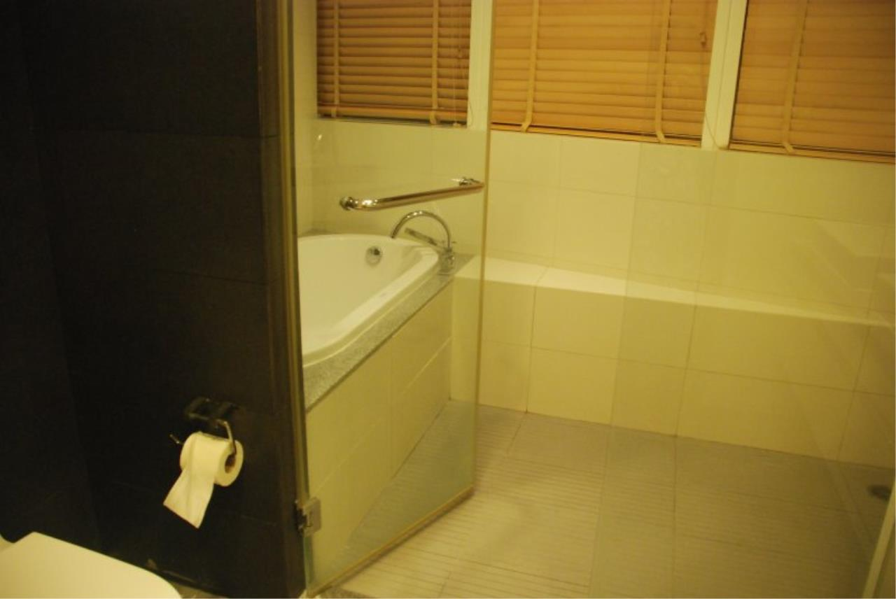 Piri Property Agency's Spacious 2 Bedrooms in the Millennium Residence for rent on high floor 14