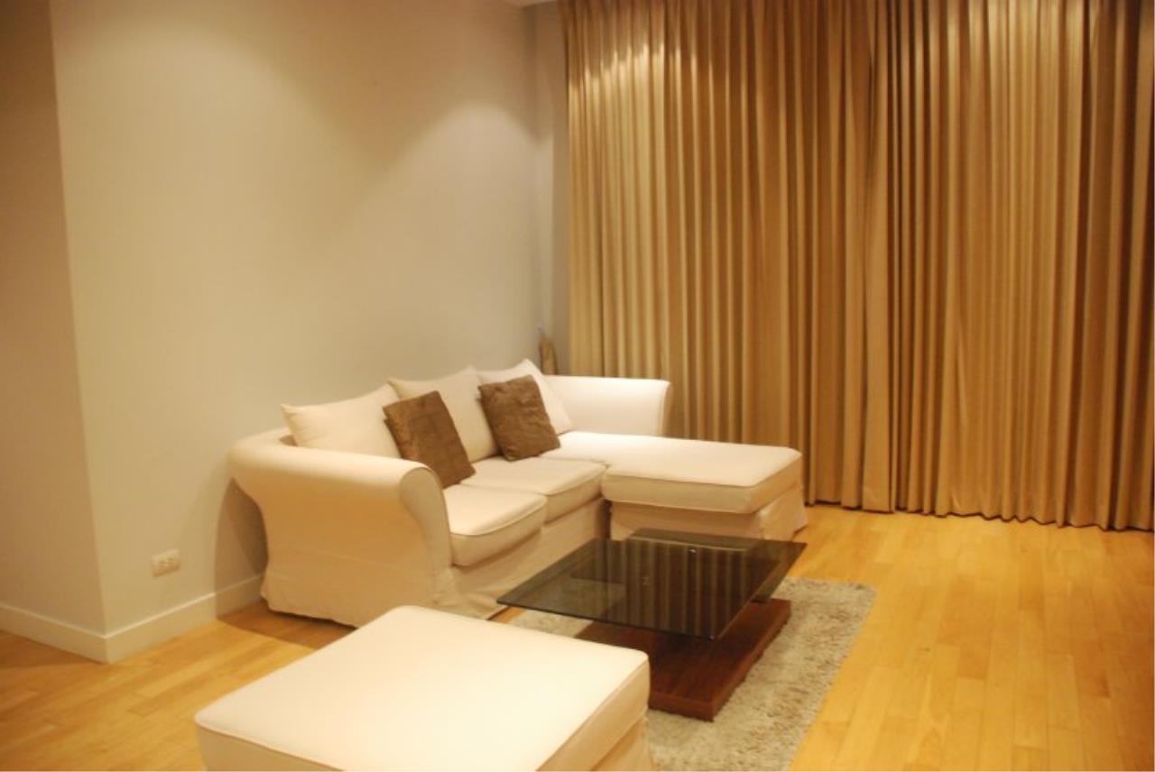 Piri Property Agency's Spacious 2 Bedrooms in the Millennium Residence for rent on high floor 2