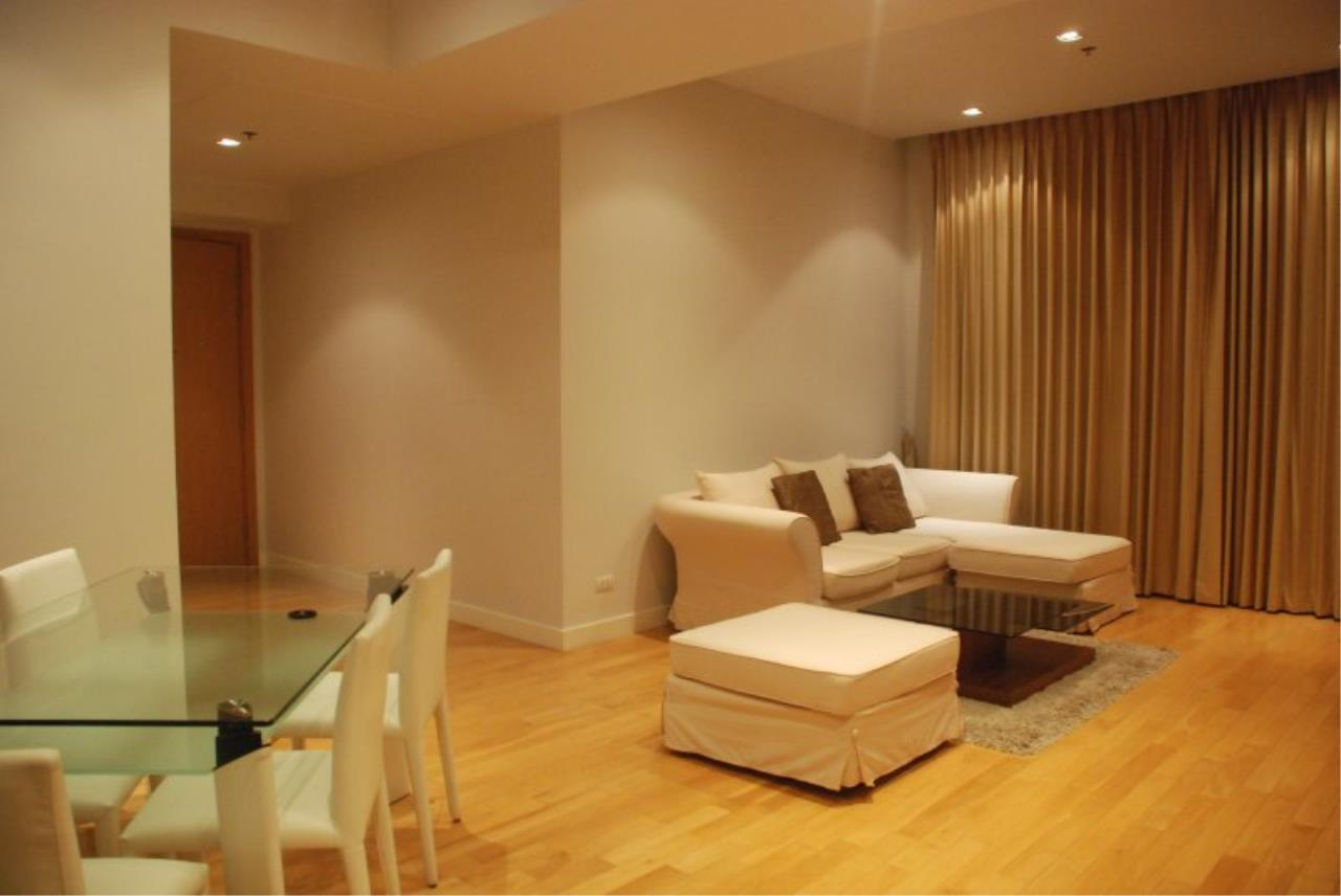 Piri Property Agency's Spacious 2 Bedrooms in the Millennium Residence for rent on high floor 3