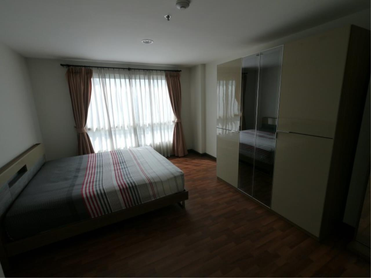 Piri Property Agency's Comfort 1 Bedroom in the Centric Scene Paholyothin 7 Condo for rent on high floor 1