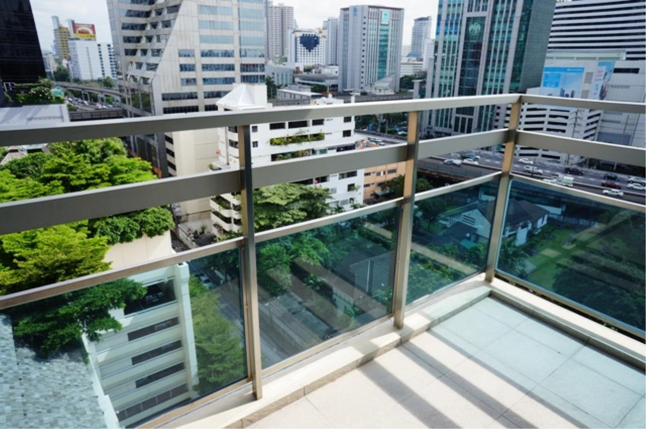 Piri Property Agency's 3 bedrooms Condo For Rent Athenee Residence 6