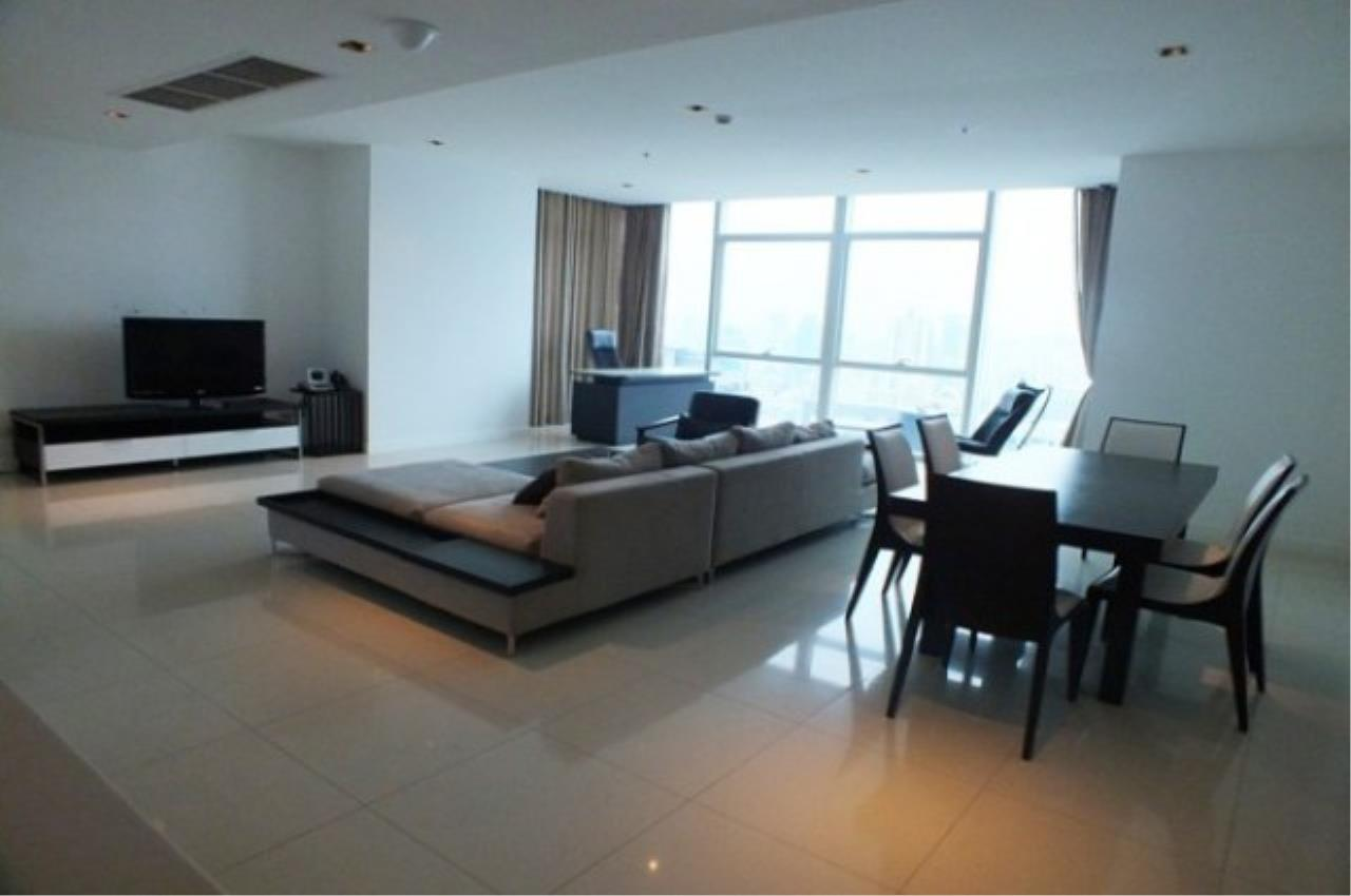Piri Property Agency's 4 bedrooms Condo For Rent Athenee Residence 2