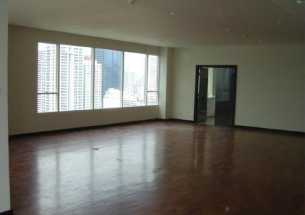 Piri Property Agency's 5 bedrooms  For Sale Wilshire Sukhumvit 22 3