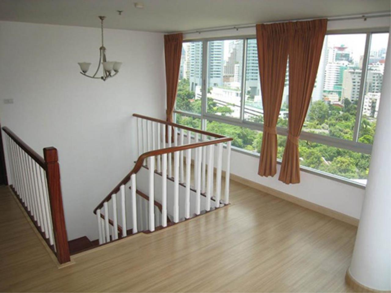 Piri Property Agency's 3 bedrooms  For Rent P.W.T Mansion 12