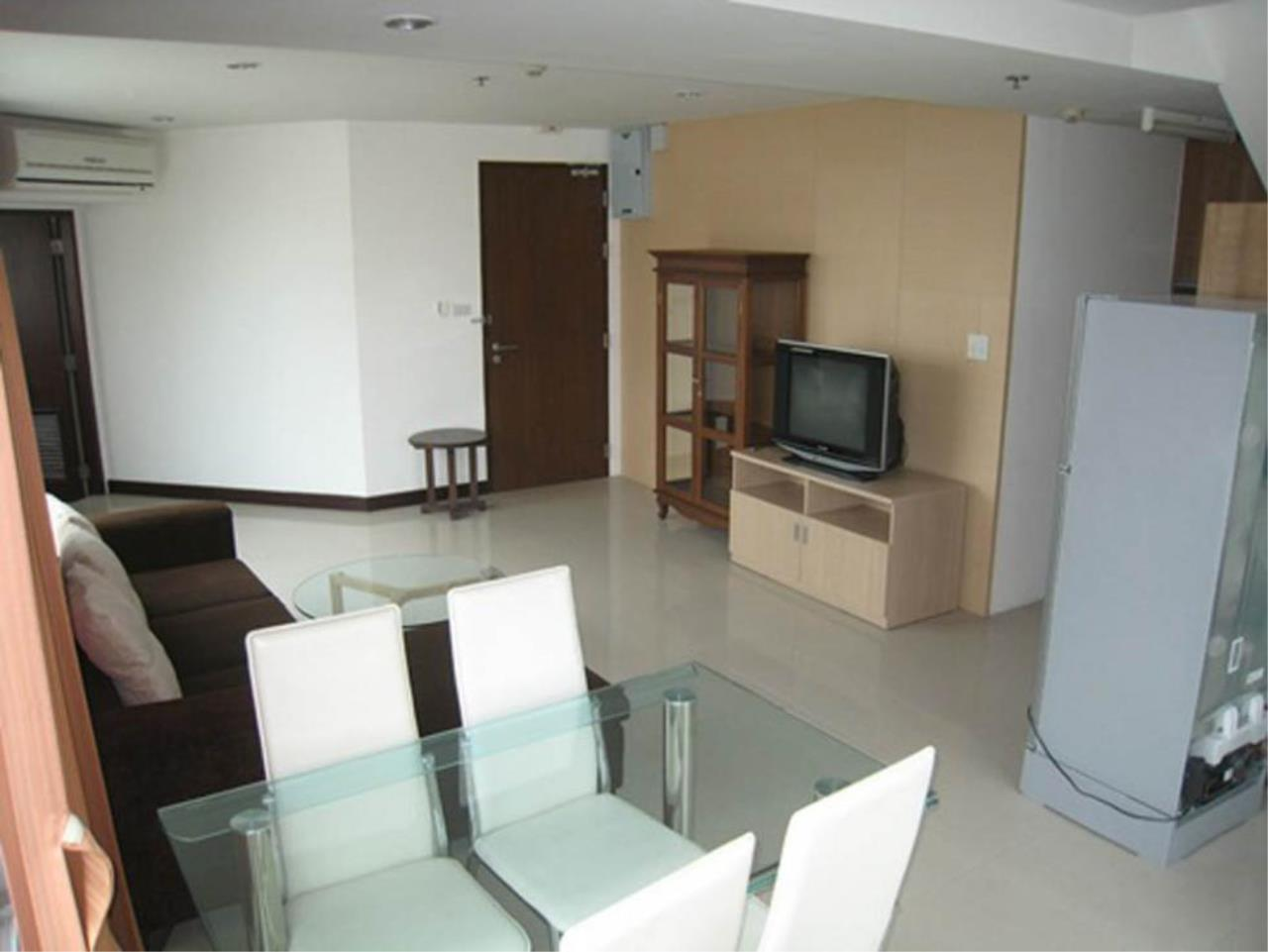 Piri Property Agency's 3 bedrooms  For Rent P.W.T Mansion 4