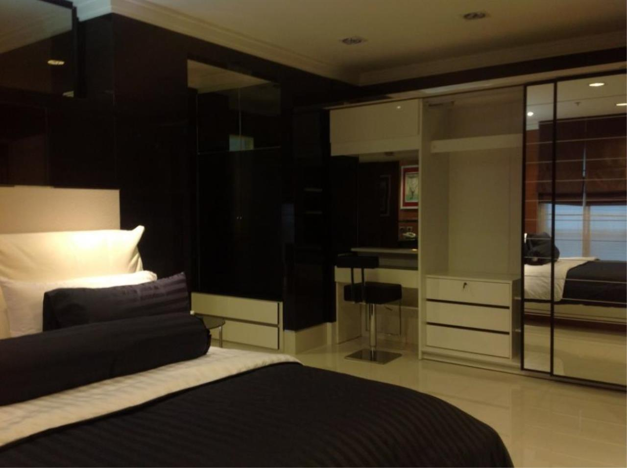 Piri Property Agency's one bedroom  For Rent The Master Centrium 2