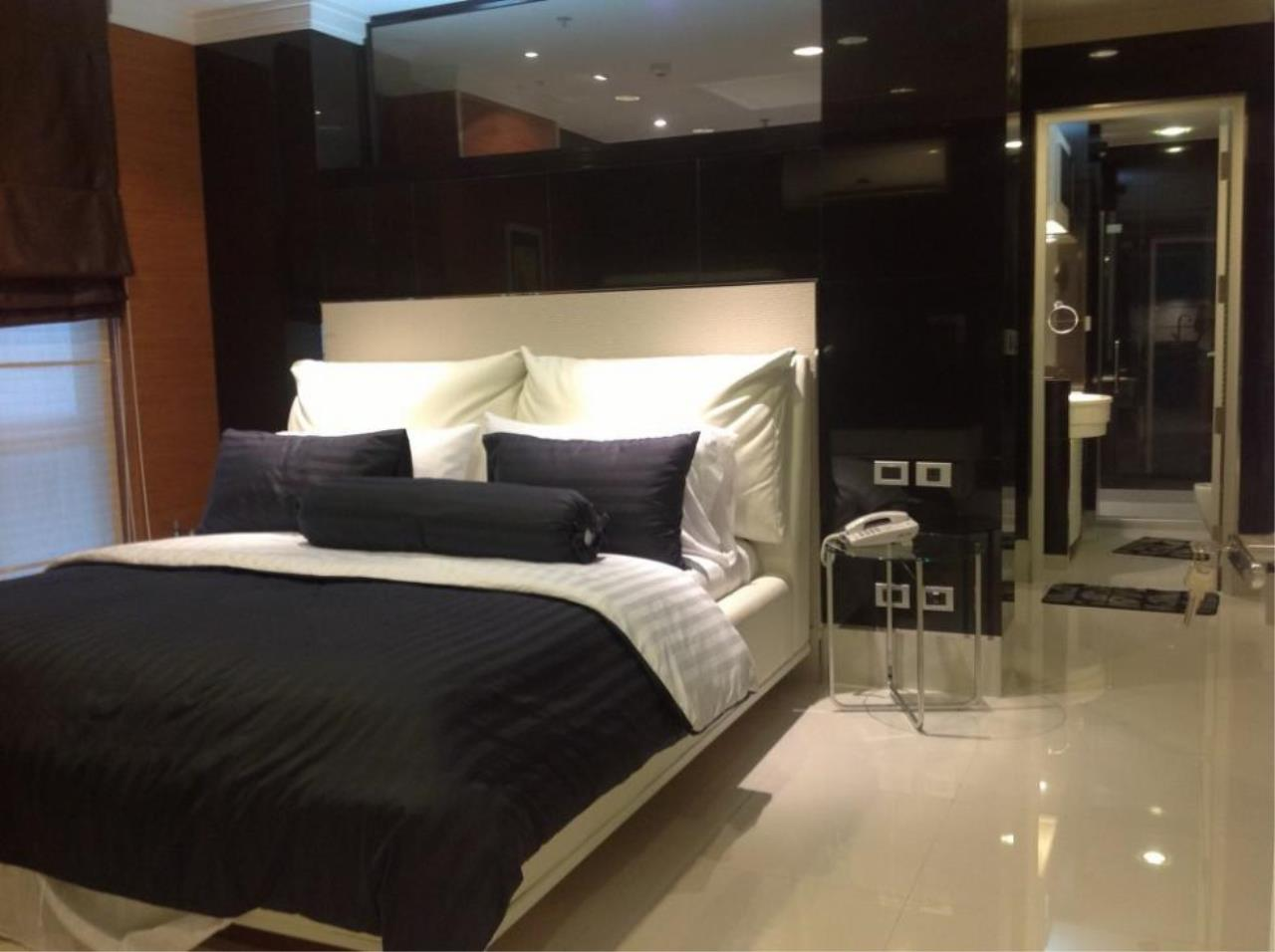 Piri Property Agency's one bedroom  For Rent The Master Centrium 6