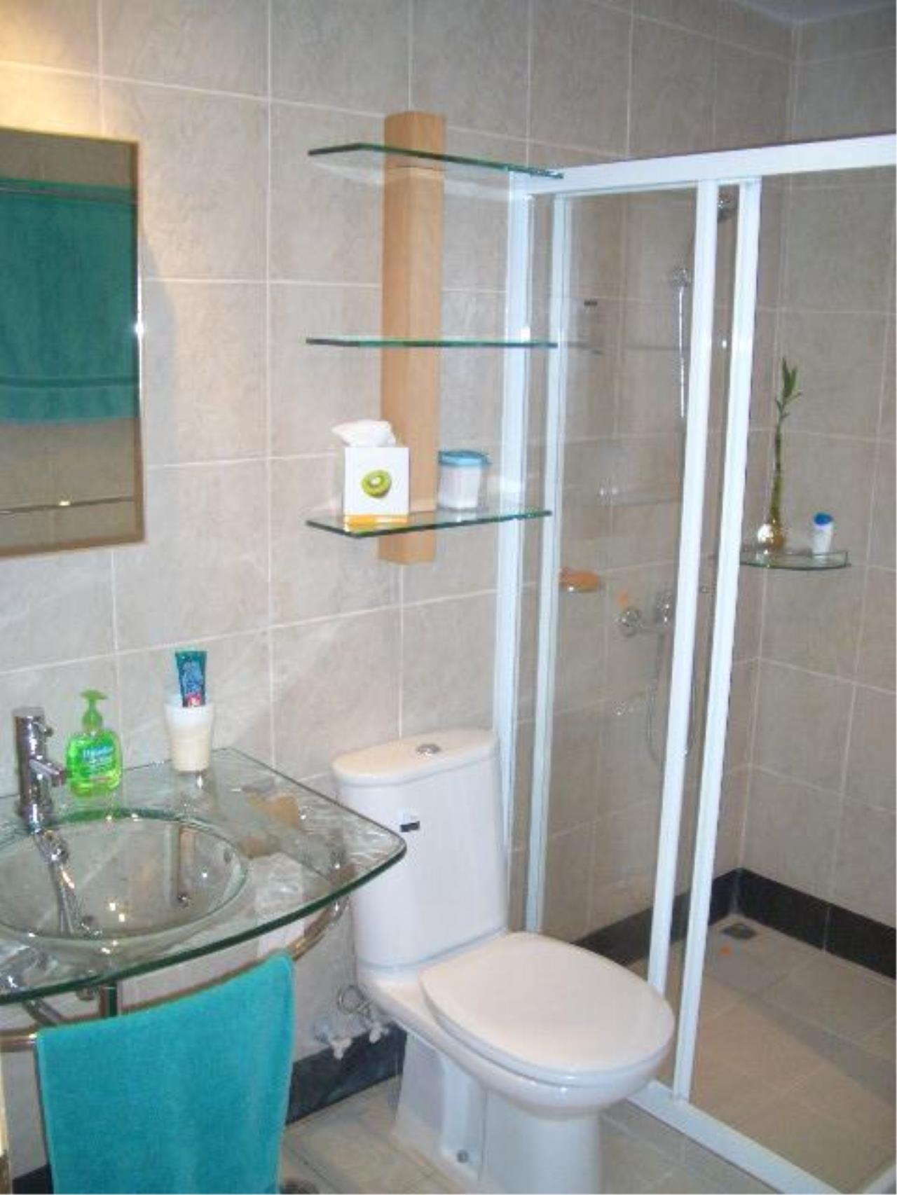 Piri Property Agency's one bedroom  For Sale Monterey Place 3