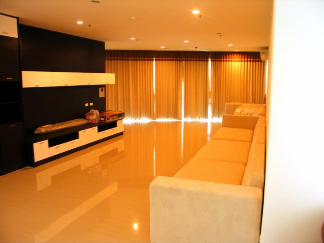 Piri Property Agency's 3 bedrooms  For Rent The Master Centrium 4