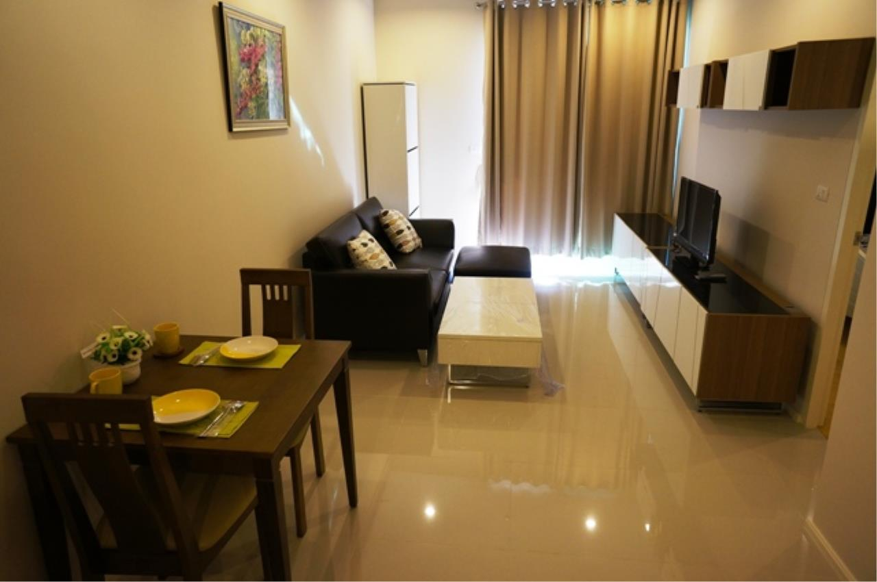 Piri Property Agency's one bedroom  For Rent Villa Asoke 5