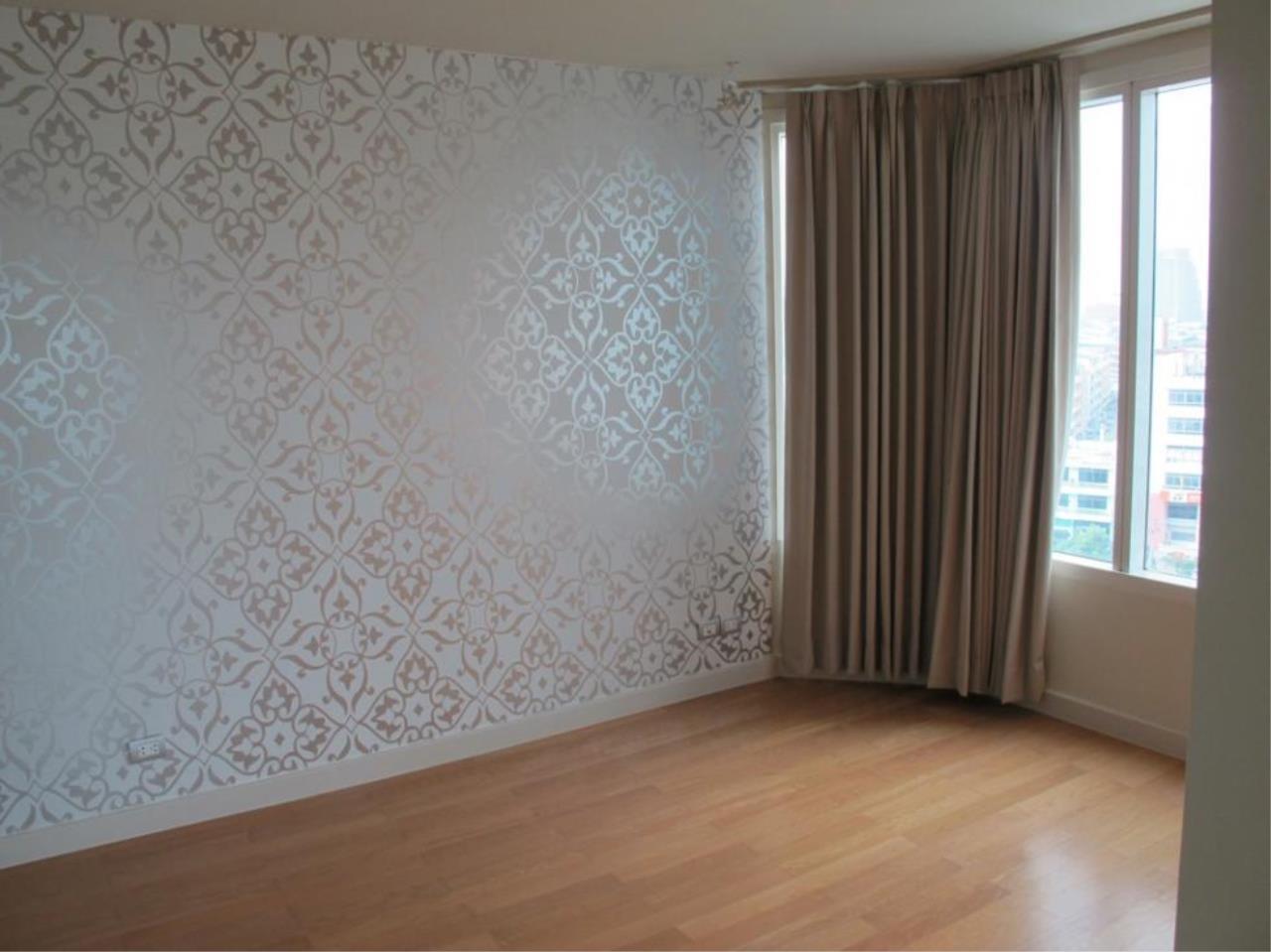 Piri Property Agency's 3 bedrooms  For Sale Watermark Chaophraya 14