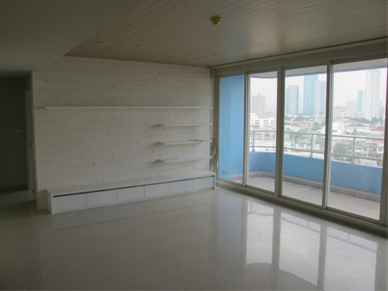 Piri Property Agency's 3 bedrooms  For Sale Watermark Chaophraya 2